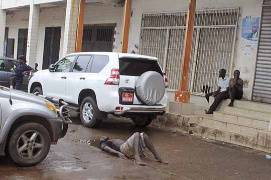 больной лихорадкой Эбола Гвинея Gvineja lihoradka Jebola